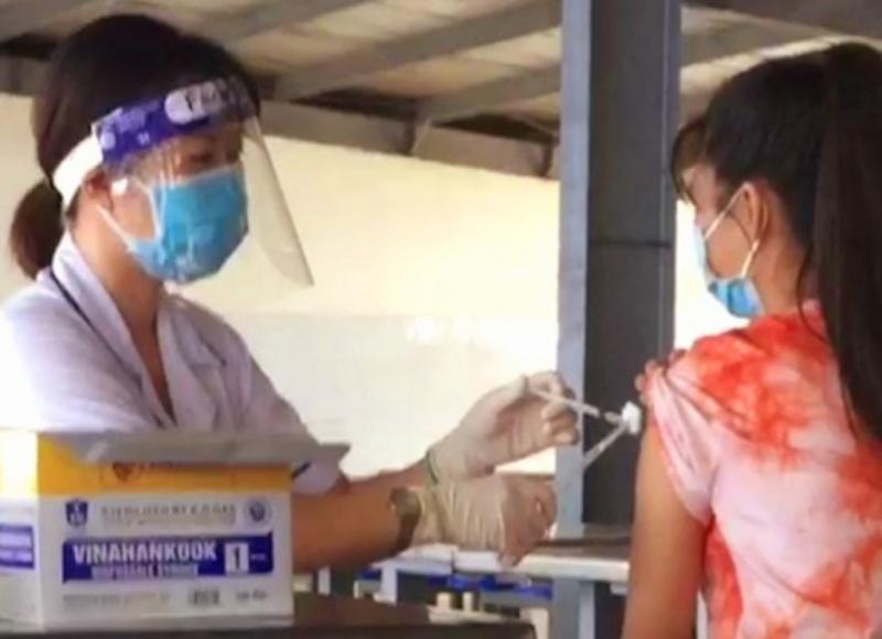 Trà Vinh ưu tiên tiêm vaccine cho 30.000 công nhân  -0
