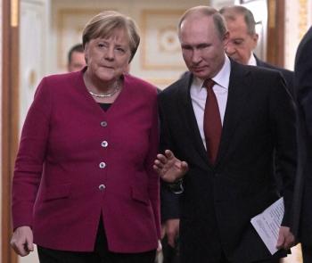 Thủ tướng Đức Merkel gặp ông Putin cứu vãn đứa con tinh thần