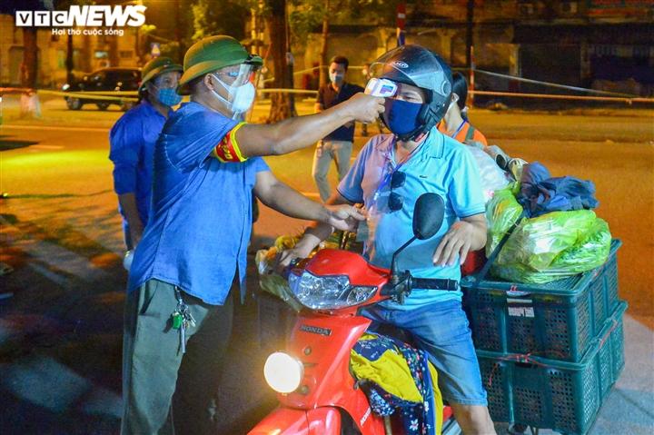 Hà Nội: Chợ đầu mối phía Nam ngày đầu tiên mở cửa trở lại sau phong toả - 5