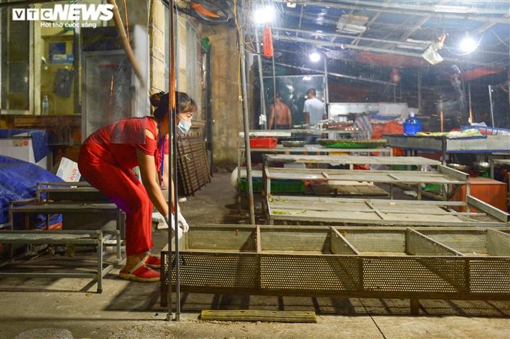 Hà Nội: Chợ đầu mối phía Nam ngày đầu tiên mở cửa trở lại sau phong toả - 10