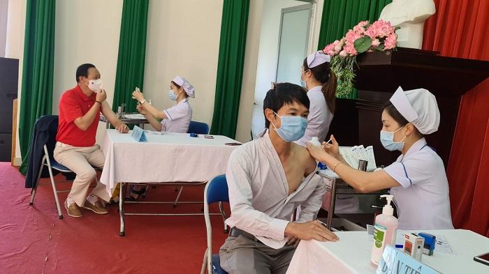 Hai người tử vong sau 36 giờ tiêm vaccine Moderna -0
