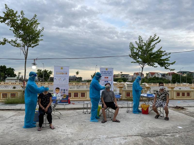 Hà Nội thêm 8 ca dương tính, có 1 ca cộng đồng ở phường Nhân Chính -0