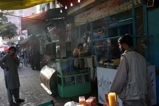 Mỹ xem xét viện trợ nhân đạo cho Afghanistan, nhưng không phải Taliban ảnh 1