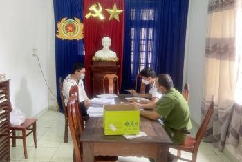 """Công an Quảng Nam triệt phá đường dây sản xuất, mua bán giấy tờ giả """"khủng"""""""