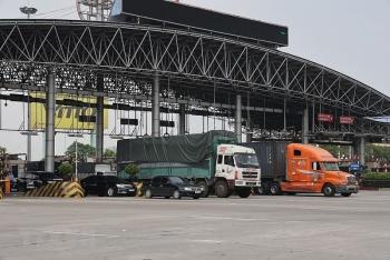 Thiếu lái xe container vận chuyển tiêu thụ hàng nông sản phía Nam