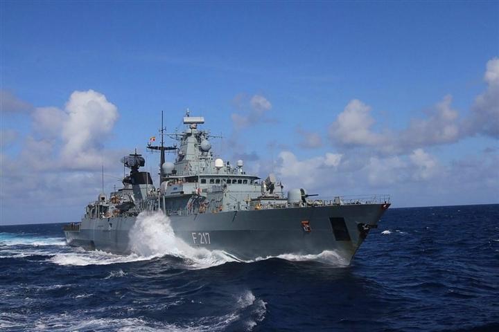 Trung Quốc không cho tàu khu trục Đức cập cảng Thượng Hải