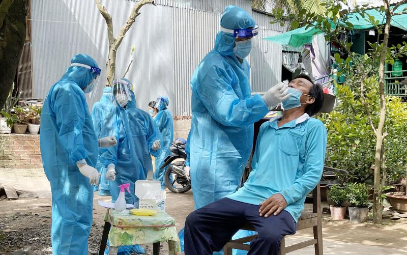 """Trưa 20/9, hai """"điểm nóng"""" ở Hà Nội tiếp tục ghi nhận ca dương tính nCoV"""