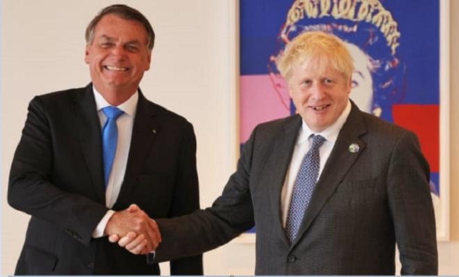 Gặp Tổng tống Brazil, Thủ tướng Anh tranh thủ quảng cáo vaccine Astrazeneca