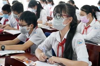 """Hà Nội có nên thí điểm cho học sinh """"vùng xanh"""" đi học trở lại?"""