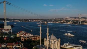 Tàu hàng cỡ lớn của Nga-Thổ Nhĩ Kỳ đâm nhau, lối vào Biển Đen kẹt cứng
