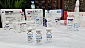 Khẩn trương xây dựng hướng dẫn sử dụng vaccine Hayat-Vax và Abdala