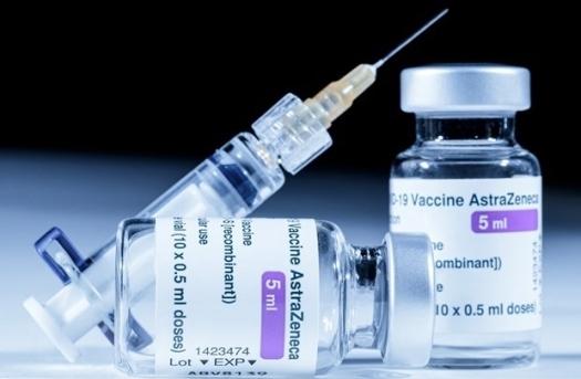 Thêm 1,3 triệu liều vaccine AstraZeneca về Việt Nam