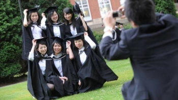 Anh sẽ không cho sinh viên Trung Quốc học các môn 'nhạy cảm'