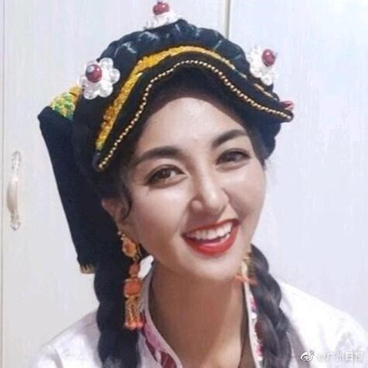 Nữ streamer xinh đẹp Trung Quốc bị chồng cũ tẩm xăng thiêu sống qua đời - Ảnh 1