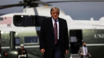 Cố vấn mắc COVID-19, Tổng thống Trump và vợ tuyên bố tự cách ly