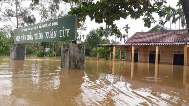 32 người chết và mất tích do mưa lũ kỷ lục, miền Trung cần cứu trợ khẩn hàng nghìn tấn lương thực ảnh 1