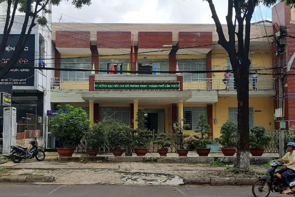 Vụ lộ đề kiểm tra môn Ngữ văn lớp 9 ở Gia Lai: Kỷ luật hiệu trưởng trường THCS Trần Phú - Ảnh 1