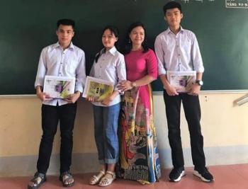 Cô giáo nhắn học trò không tặng hoa 20/10 để ủng hộ miền Trung