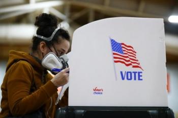 Bầu cử Tổng thống Mỹ: Kỷ lục hơn 60 triệu cử tri bỏ phiếu sớm