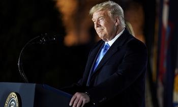Trump tố truyền thông phạm luật bầu cử vì cách đưa tin Covid-19