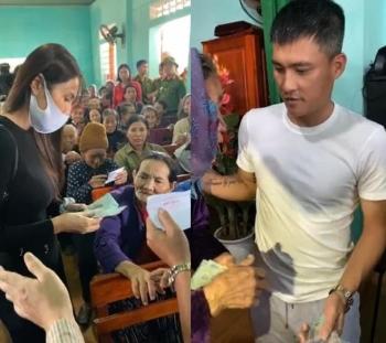 Dân nghèo rốn lũ Hà Tĩnh nhận quà từ vợ chồng Công Vinh - Thủy Tiên