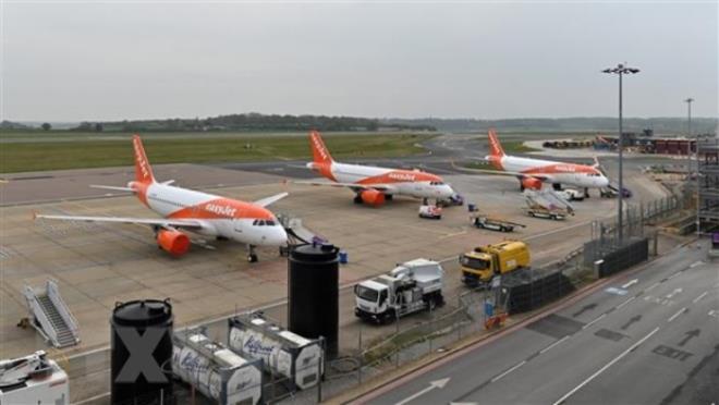 Gần 200 sân bay nhỏ ở châu Âu nguy cơ vỡ nợ - 1