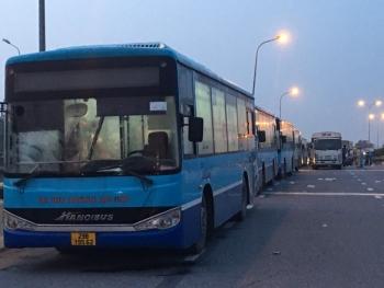 Hà Nội: Những chuyến xe buýt nghĩa tình trong mùa dịch