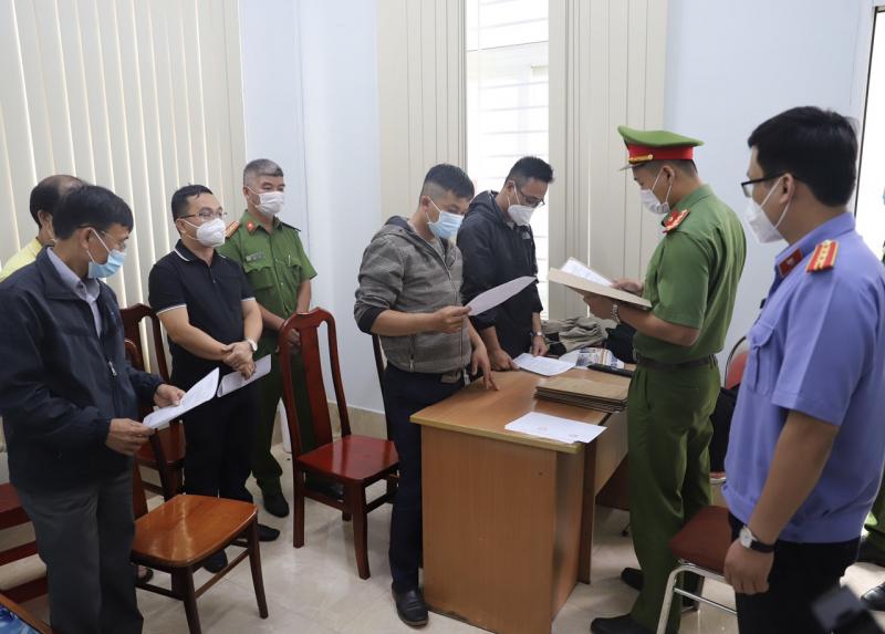 Chi trả tiền đền bù sai quy định, hàng loạt cán bộ ở Đắk Nông bị bắt
