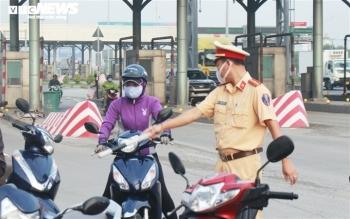Đồng Nai chưa đồng ý cho người lao động đi xe máy di chuyển qua lại với TP.HCM