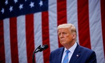 Chứng khoán tương lai Mỹ nhảy vọt khi Trump dẫn trước tại các bang chiến trường