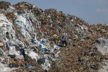 Ba nguyên nhân gây mùi hôi ở bãi rác lớn nhất Hà Nội