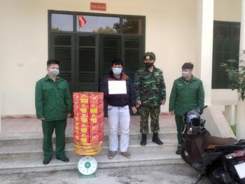 Quảng Ninh: Bắt giữ đối tượng vận chuyển trái phép 50kg pháo nổ