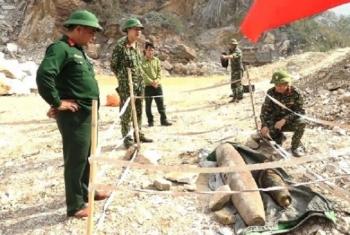 Đang tôn tạo đình làng, phát hiện quả bom nặng 250kg
