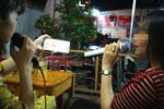 Bị 'tra tấn' bởi karaoke xóm: Đừng để mất lòng, thậm chí mất mạng!