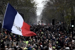Hàng nghìn người Pháp xuống đường phản đối cải cách hưu trí
