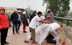 Truy tìm đối tượng chém người phụ nữ chở con nhỏ trên cầu
