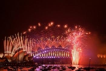 Thế giới chào đón năm mới 2021