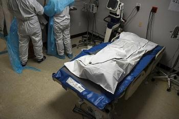 Ca nCoV toàn cầu gần 85 triệu, Mỹ trải qua tháng chết chóc nhất