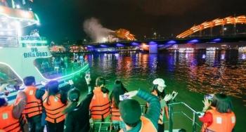 Đà Nẵng tặng vé miễn phí tour du lịch bằng du thuyền đêm trên sông Hàn