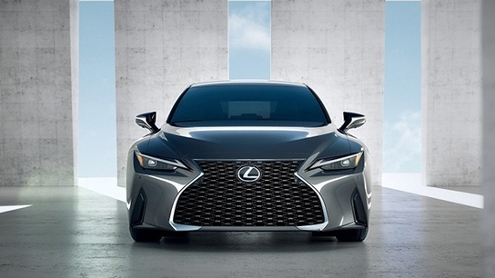 lexus is 2021 sap ra mat tai viet nam