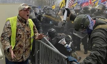 Thêm ba người chết trong bạo loạn ở quốc hội Mỹ