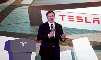 Elon Musk vượt Jeff Bezos để giàu nhất thế giới