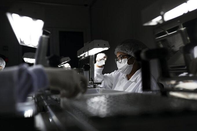 hoai nghi hieu qua vaccine covid 19 trung quoc
