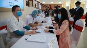 suc khoe cac tinh nguyen vien tiem vaccine covid 19 lieu cao nhat hien the nao