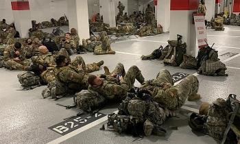 Vệ binh Quốc gia ngủ ở hầm xe sau lễ nhậm chức của Biden