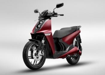 Vinfast ra mắt 2 dòng xe máy điện mới và công bố mô hình trải nghiệm mua sắm O2O