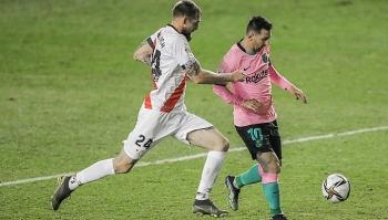 Messi đưa Barca vào tứ kết Cup Nhà Vua