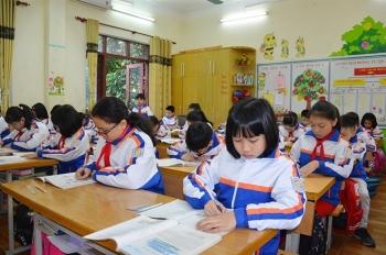 Quảng Ninh có ca COVID-19 trong cộng đồng, học sinh TP Hạ Long nghỉ học từ 28/1