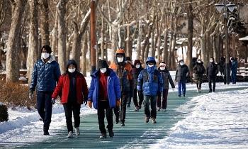 Hàn Quốc kéo dài hạn chế ngăn Covid-19 tới sau Tết