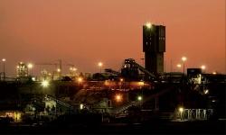 Hơn 1.000 công nhân mắc kẹt dưới mỏ vàng tại Nam Phi